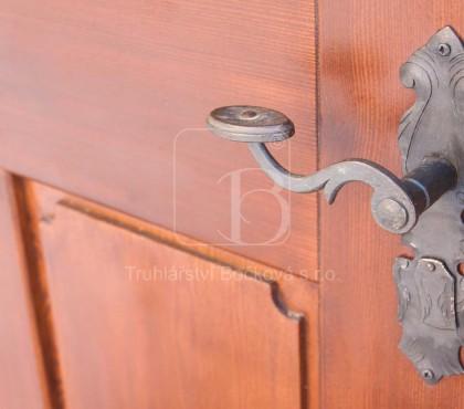 Radešín, Renesanční dveře