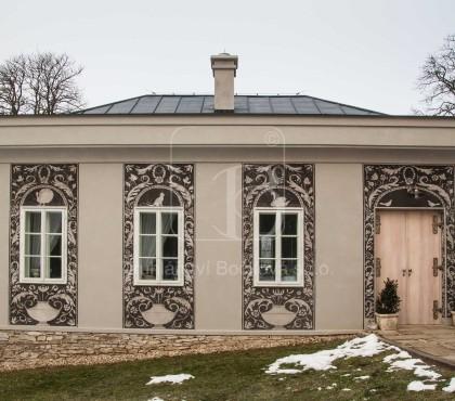 Zámek Schönwald – zahradní domek, okna