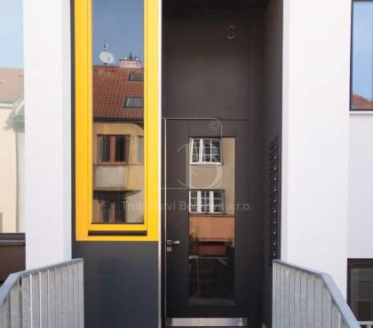 Bytový dům Soukopova Brno, dveře